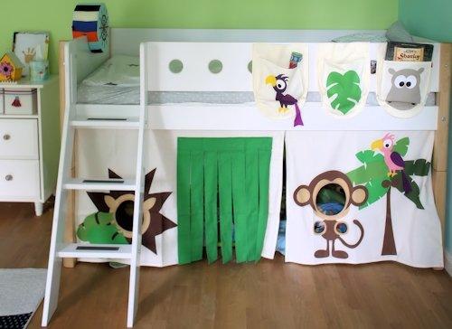 Proffesionelles Kundenfoto vom Flexa White Hochbett, Spielbett, direkt aus dem Kinderzimmer.