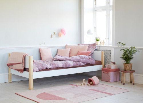 Kinderzimmer Mädchen rosa Einzelbett Flexa